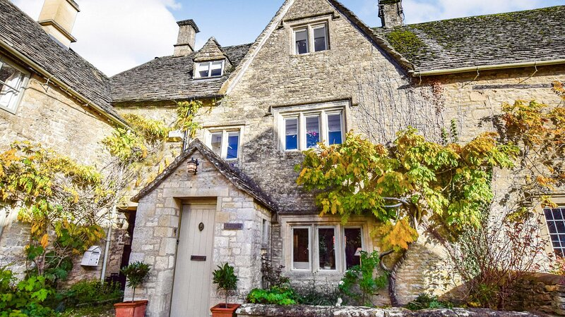 Spinners Cottage, Bibury - sleeps 4 guests  in 2 bedrooms, holiday rental in Chedworth