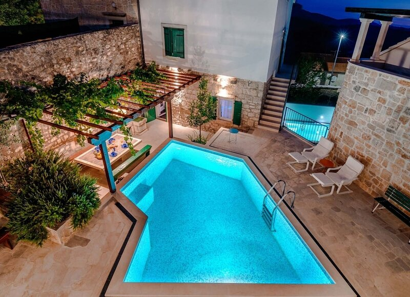 Vjerocka - with pool : H(5+3) - Donji Humac, vacation rental in Nerezisca