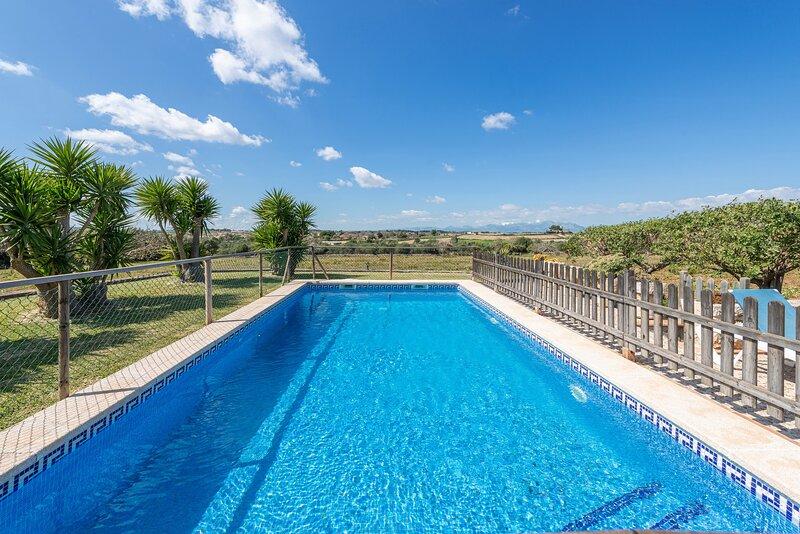 ES BOSQUERRÓ - Villa for 4 people in Santa Margalida, aluguéis de temporada em Santa Margalida