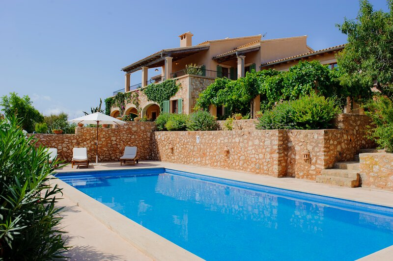 Penya Redona, luxury holiday home for 8 people, holiday rental in S'Alqueria Blanca