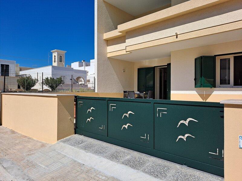 Casa Vittorio a 100m Dalla Sabbia, holiday rental in Lido Marini
