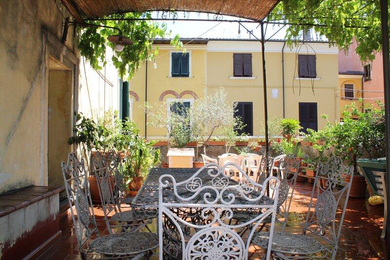 Terrazza in centro, holiday rental in Pietrasanta