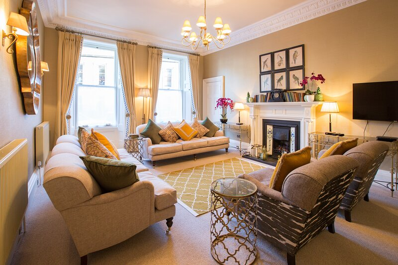 Total Luxury - beautifully appointed and spacious with veranda, patio and garden, holiday rental in Leuchars