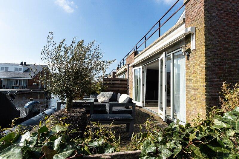 4 persons jetty appartement in Uitgeest, vacation rental in Noordeinde