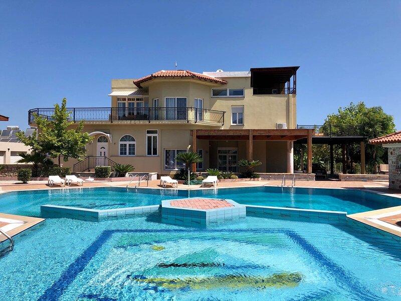 Casa Loma, holiday rental in Paradeisi
