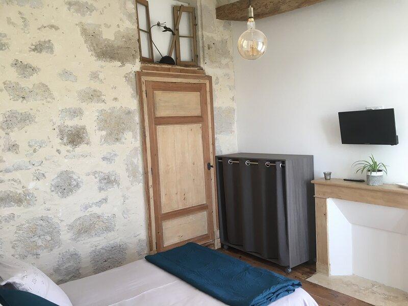 Chambre privée avec terrasse, holiday rental in Montagnac-sur-Auvignon