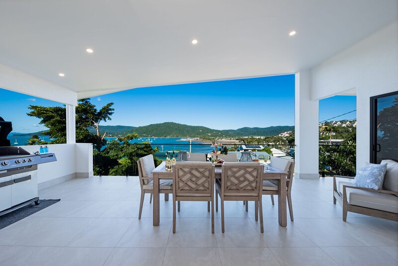 Airlie Bay View  - Airlie Beach, QLD, holiday rental in Airlie Beach