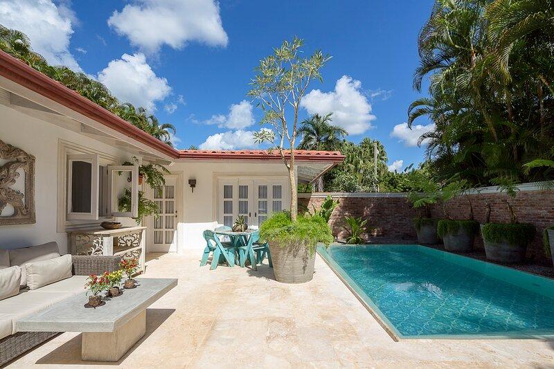Las Minas Villa Sleeps 8 with Pool and Air Con - 5820176, location de vacances à Altos Dechavon