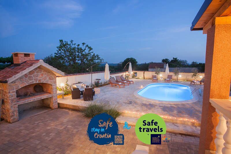 Villa Olive, vacation rental in Policnik