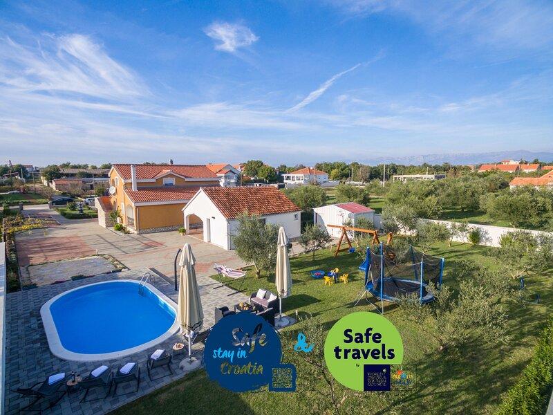 Villa Leonardo, vacation rental in Galovac