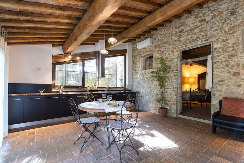 LA LOGGIA - country home  with garden  in the heart of Chianti - 4 persons, holiday rental in San Pancrazio