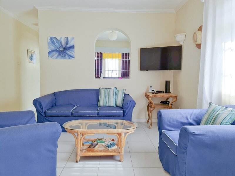 Beautiful Seaside Apartment 2 of 2, holiday rental in Silver Sands
