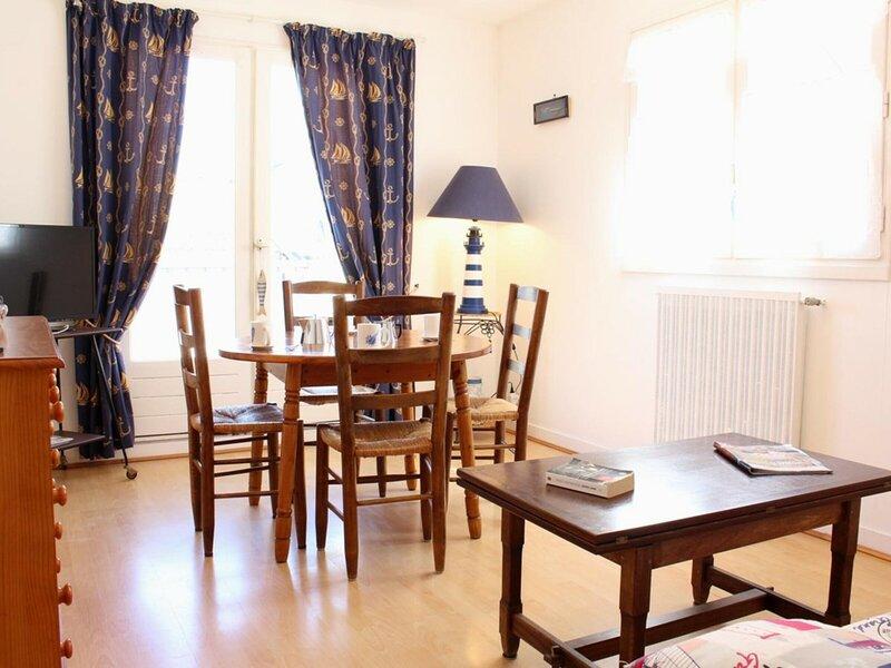 Appartement 2 pièces 4 couchages LE POULIGUEN, holiday rental in Le Pouliguen