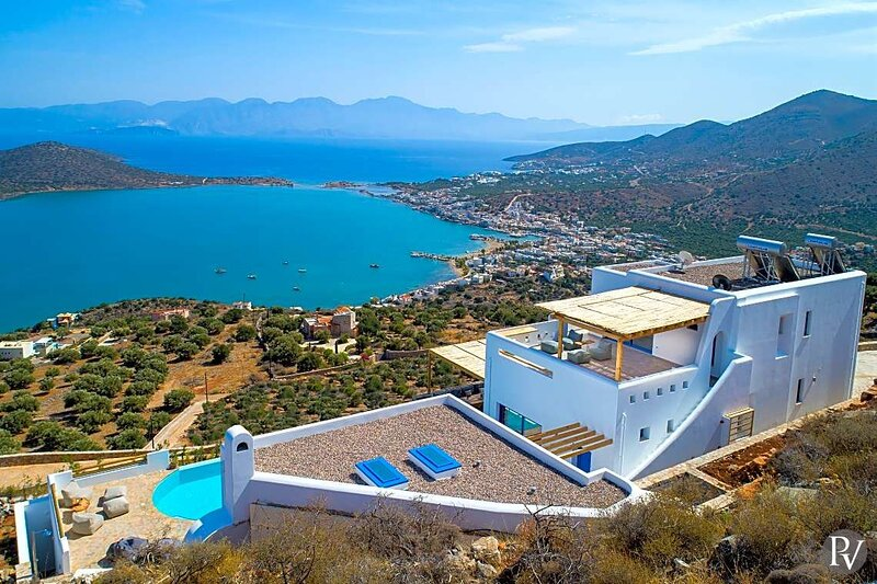 Epano Pines Villa Sleeps 10 with Pool Air Con and WiFi - 5888775, vacation rental in Agia Paraskevi