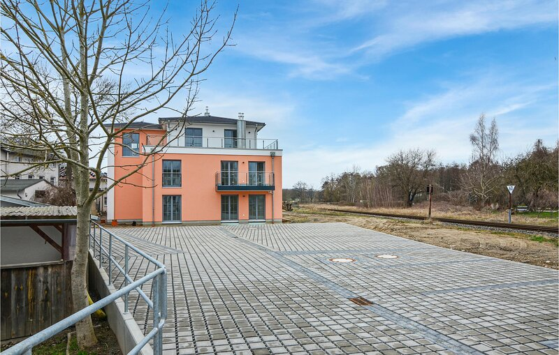 Amazing apartment in Putbus with WiFi and 1 Bedrooms (DMR401), casa vacanza a Lauterbach