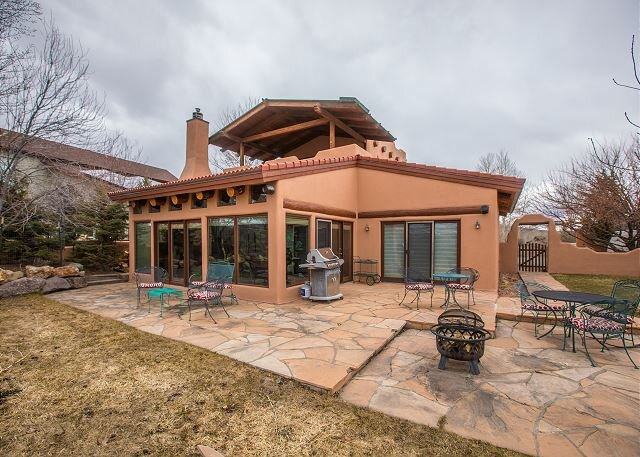 Iconic Southwest Adobe Home Located in the Heart of Ridgway, casa vacanza a Ridgway