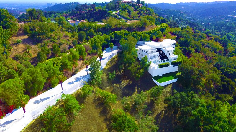 Award Winning Beverly Hills Multi Acred Private Gated Mansion, holiday rental in Beverly Hills