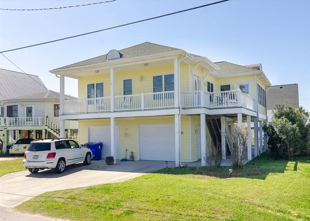 Great Family Home on the North End of Carolina Beach!, holiday rental in Myrtle Grove