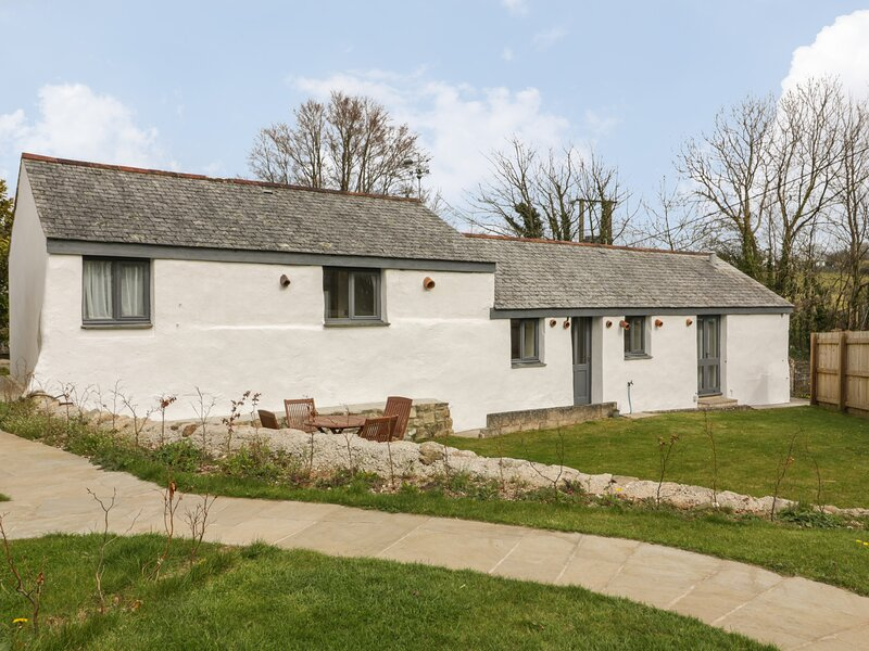 The Piggery, St Stephen, holiday rental in High Street