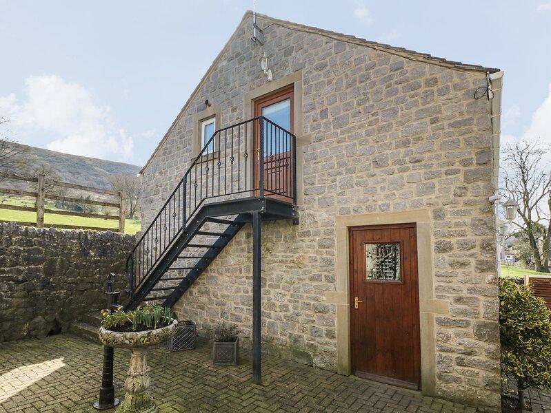 THE LOFT, studio accommodation, all first floor, romantic retreat, balcony, holiday rental in Bamford