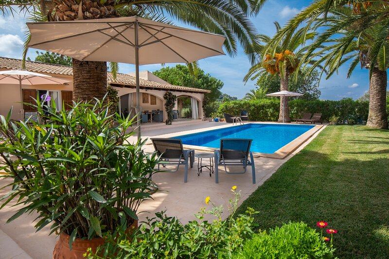 Polita, country house for 6 persons with great views, holiday rental in S'Alqueria Blanca