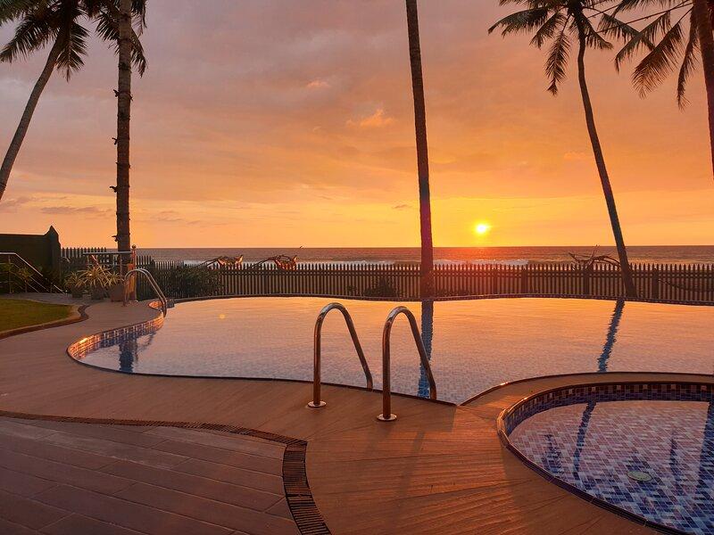 Ingels Beach Villa - Absolutely Beachfront, alquiler vacacional en Panadura