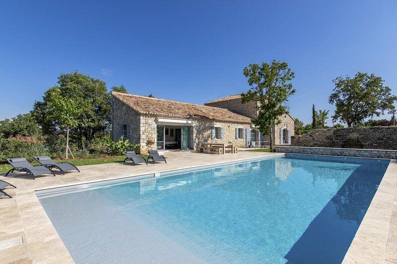 La Maison Malbec, un écrin au milieu des vignes, location de vacances à Cahors