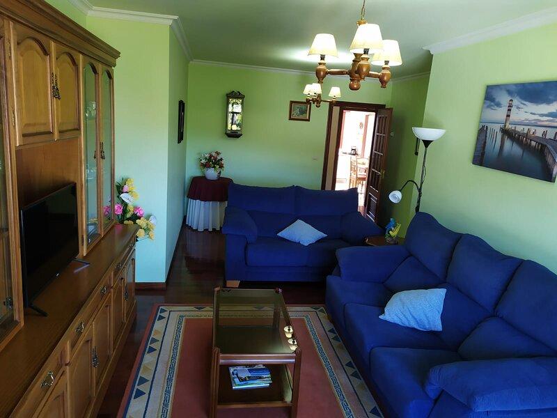 SE ALQUILA PISO VACACIONAL EN A GUARDA, holiday rental in Granxa