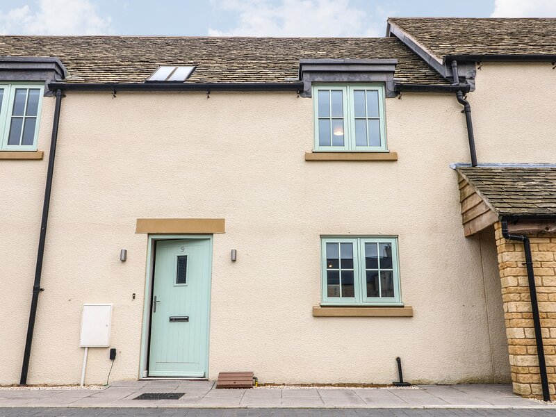 9 Windrush Heights, Burford, vacation rental in Sherborne
