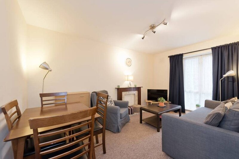 Lovely 1-Bed Apartment in Dublin 1, holiday rental in Swords