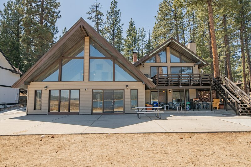 Hakuna Matata Lakefront, alquiler de vacaciones en Big Bear Lake