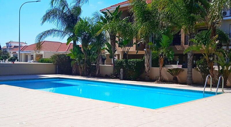 Horizon 2 bedroom apartment with communal pool, alquiler vacacional en Kiti
