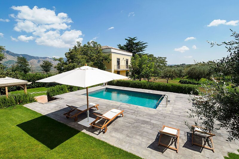 Villa Alcantara, holiday rental in Santa Domenica Vittoria