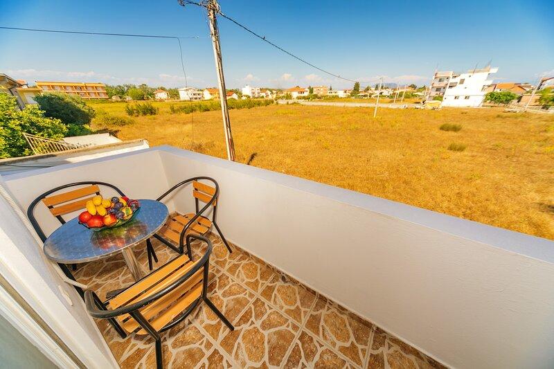 Guest House Edita - Standard Apartment 1, holiday rental in Ulcinj Municipality