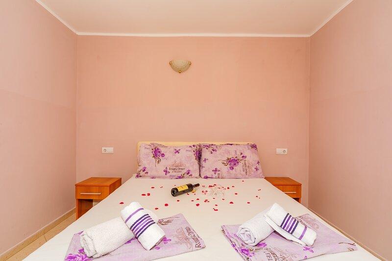 Guest House Edita - Standard Apartment, alquiler de vacaciones en Velipoje