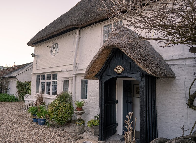 Little Thatch at Burgate Farmhouse Fordingbridge, vacation rental in Martin