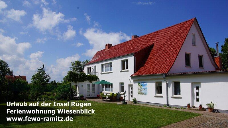 Urlaub auf der Insel Rügen - Ferienwohnung Wiesenblick, casa vacanza a Trent