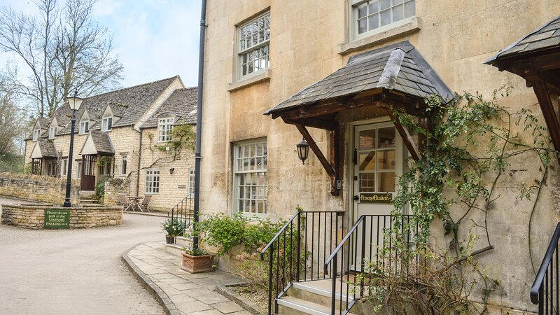 Princess Elizabeth Cottage at Sudeley Castle - A comfortable and homely cottage, vacation rental in Winchcombe