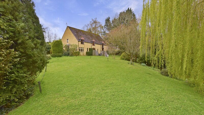 Stepping Stones Cottage - A delightful modern country home in the idyllic villag, location de vacances à Blockley