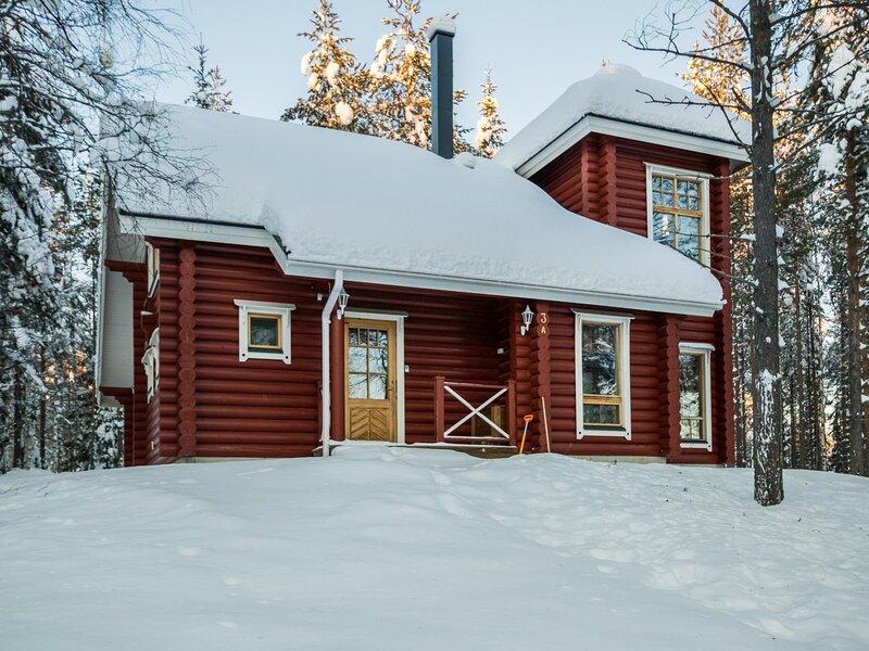 Sateenkaari cottage, vacation rental in Ristijarvi