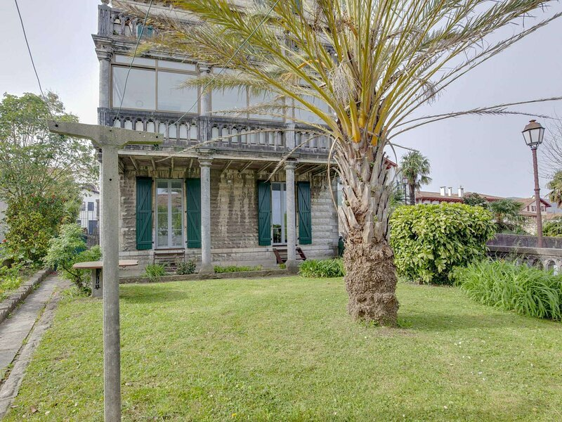 Vieux Fort - Centre ville avec terrasse et jardin, holiday rental in Irun