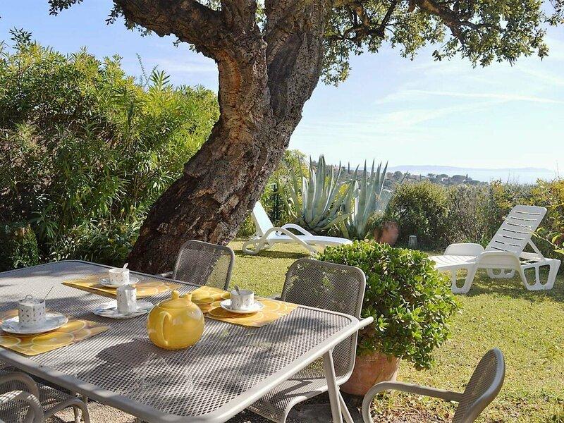 Appt 2 pièces / mezz 5 couchages PRAMOUSQUIER, location de vacances à Rayol-Canadel-sur-Mer