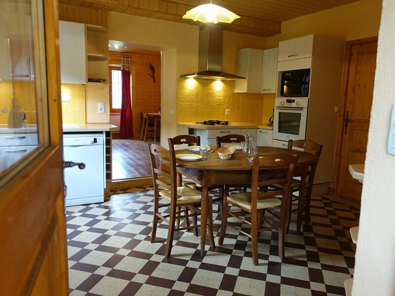 Dans le village et au calme, appartement spacieux pour 5 pers. Classé **, location de vacances à Areches Beaufort
