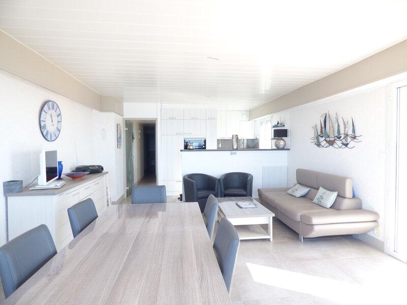 Splendide appartement T4 face mer, location de vacances à Croix-de-Vie