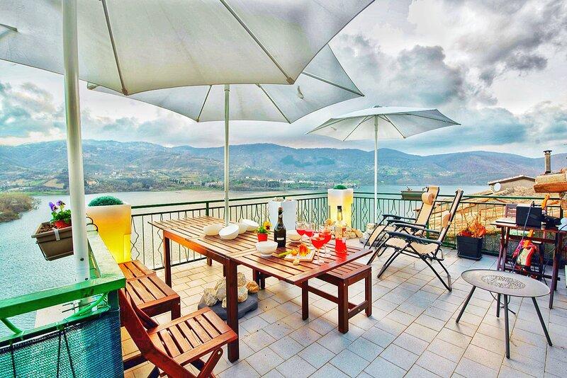Terrazza sul Lago, holiday rental in Pescorocchiano