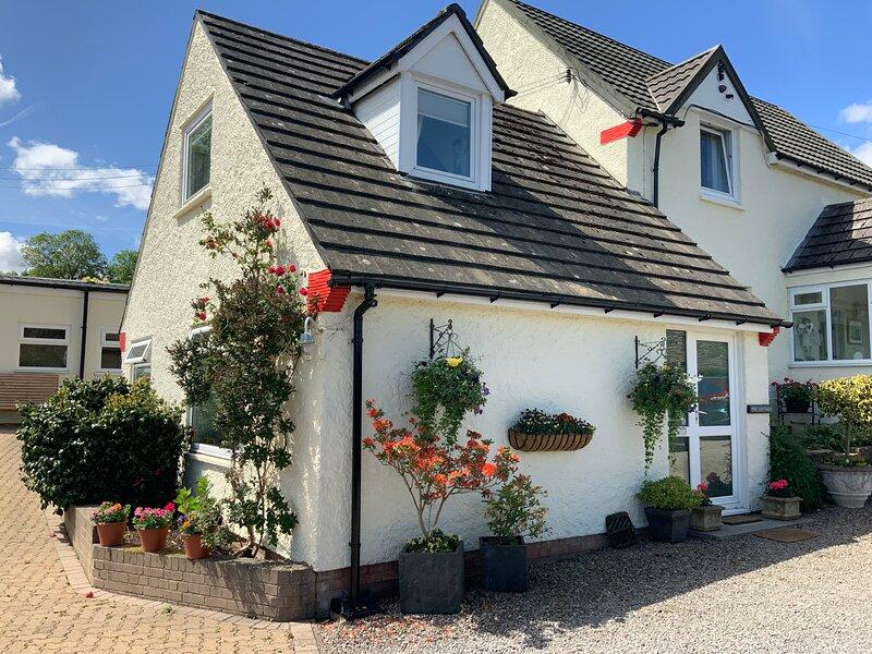 Llanwenarth Cottage, holiday rental in Gilwern