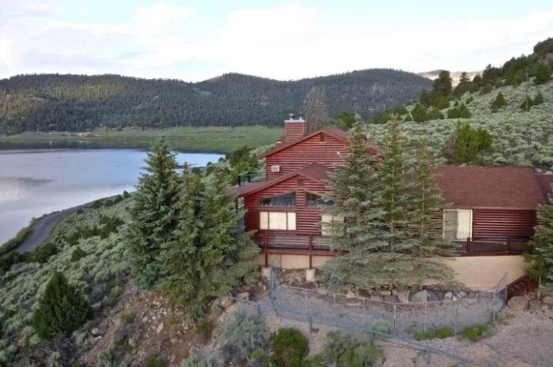 Beautifully upgraded cabin overlooking Panguitch Lake, alquiler vacacional en Panguitch Lake