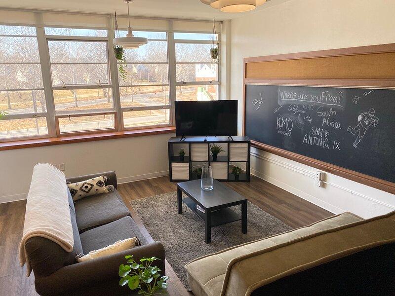Trendy Loft in Kansas City (Converted School), vacation rental in Kansas City