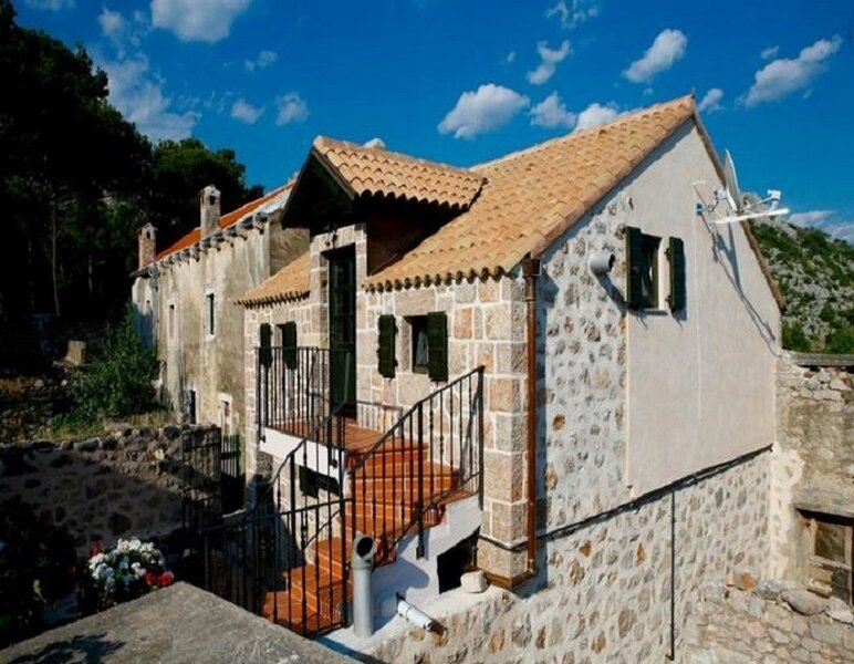Kamena - garden terrace :  H(4+2) - Starigrad-Paklenica, aluguéis de temporada em Starigrad-Paklenica