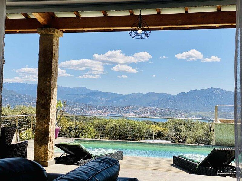 Villa vue mer 4 chambres, holiday rental in Olmeto